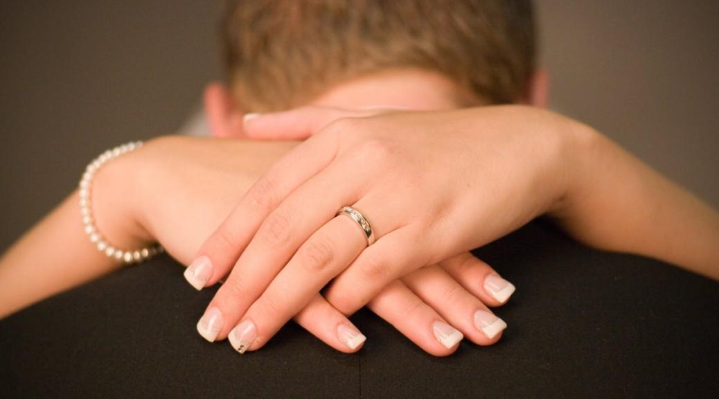 Trauringe: Mit der richtigen Pflege für immer glänzend