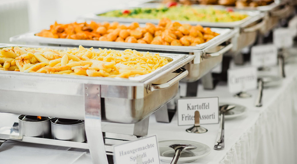 Das-Essen-auf-der-Hochzeitsfeier