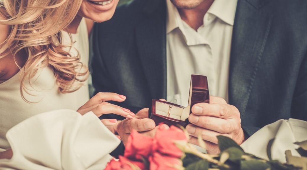 Was gehört zum idealen Heiratsantrag dazu?